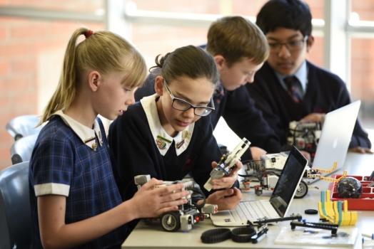 Canterbury College_ภาพห้องเรียน นักเรียน-8